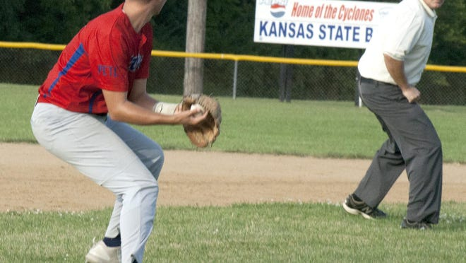 Ottawa Arrows third baseman Aidan Michel prepares to make a throw to second base for a force out after fielding a ground ball Thursday against Oak Park at Harvey M. Drake field.
