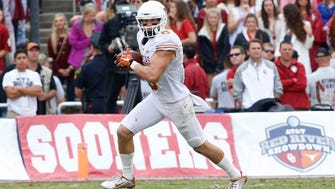 Jaxon Shipley (6-0, 190) played in 48 games (35 starts) over four years at Texas and caught 218 passes for 2,510 yards and 11 touchdowns.