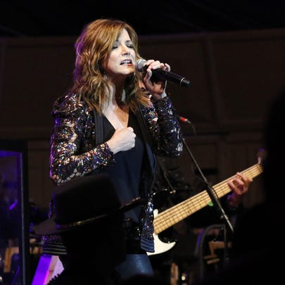Martina McBride performed to a crowd of 8,000 to 10,000