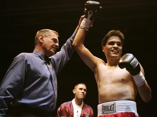 José Celaya de Salinas es anunciado ganador de Fight Night at the Tank en San José, 13 de septiembre de 2007. Celaya noqueó a Steve Walker en el primer asalto.