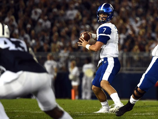 Georgia State quarterback Conner Manning looks for