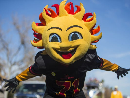 2015-2016 Fiesta Bowl Parade