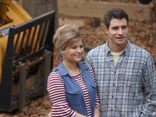 """Erin and Chad Paine on an episode of """"Bringing Up Bates."""""""