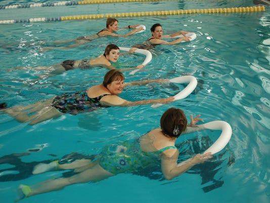 -0502-11-swimmers.jpg_20080501.jpg