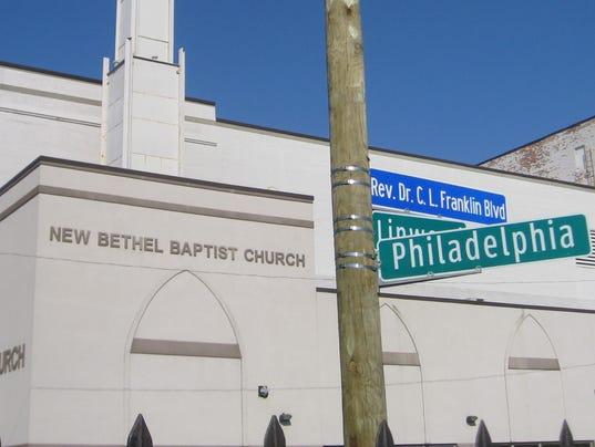 Aretha franklin sings as detroit street renamed for her dad rev c l