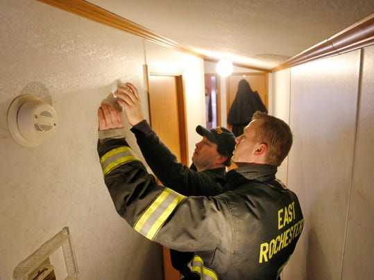 km 030814 smoke alarms metro 3.jpg