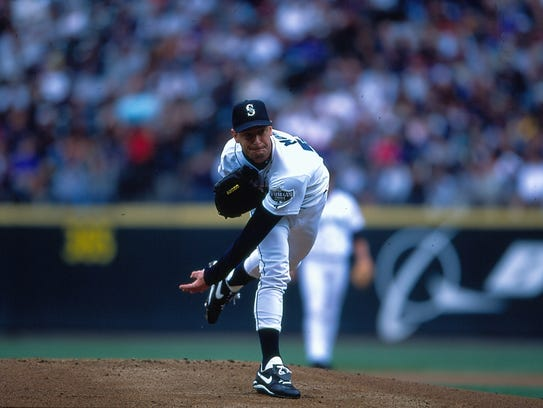 Jamie Moyer of the Mariners pitching, July 28, 2001.