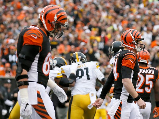 c5d0a09ed Andy Dalton fractures thumb, will miss time