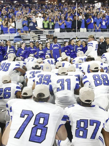 Chandler football team thanks the fans after defeating