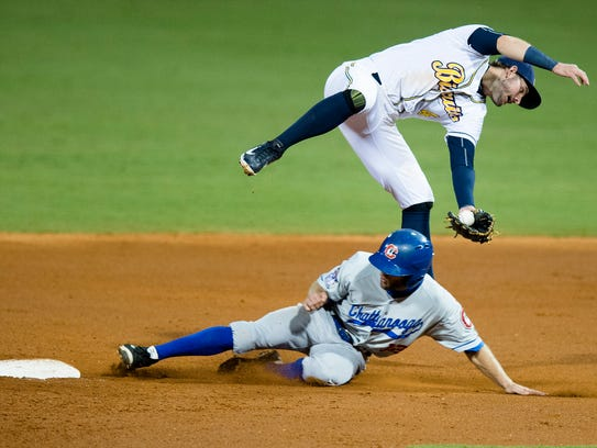 Chattanooga Lookouts' Steve Wickens steals second as