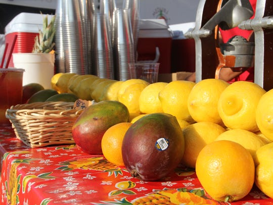 Lemons and mangoes arrayed at Lucy's Fresh Squeezed