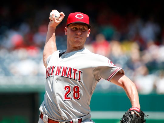 Cincinnati Reds starting pitcher Anthony DeSclafani throws during the second inning of the first baseball game of doubleheader against the Washington Nationals at Nationals Park, Saturday, Aug. 4, 2018, in Washington.