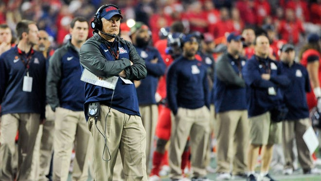 Jeff Casteel, the former defensive coordinator at Arizona, is shown during a game in 2015. He has agreed to become Nevada's defensive coordinator.