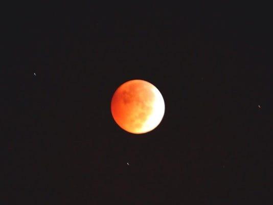 635483490887203618-moon