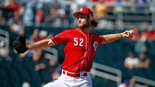 Tony Cingrani and Lucas Luetge combined for 1 ⅓ perfect innings against the White Sox Thursday.