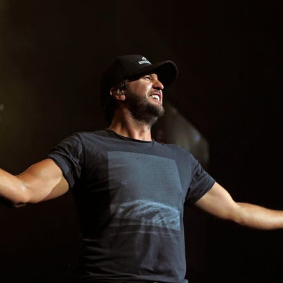 Everything you need to know about Luke Bryan's Iowa Farm Tour