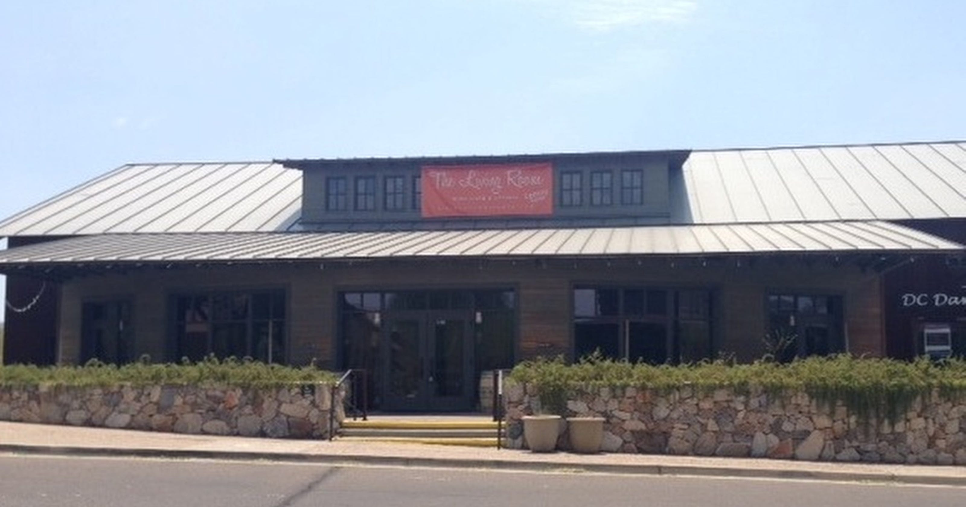 Living Room Wine Cafe Opens In Scottsdale At Dc Ranch