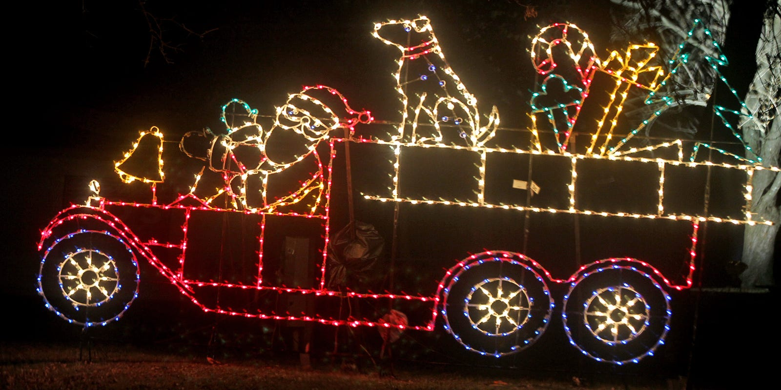 Where to catch Christmas lights in and around Des Moines