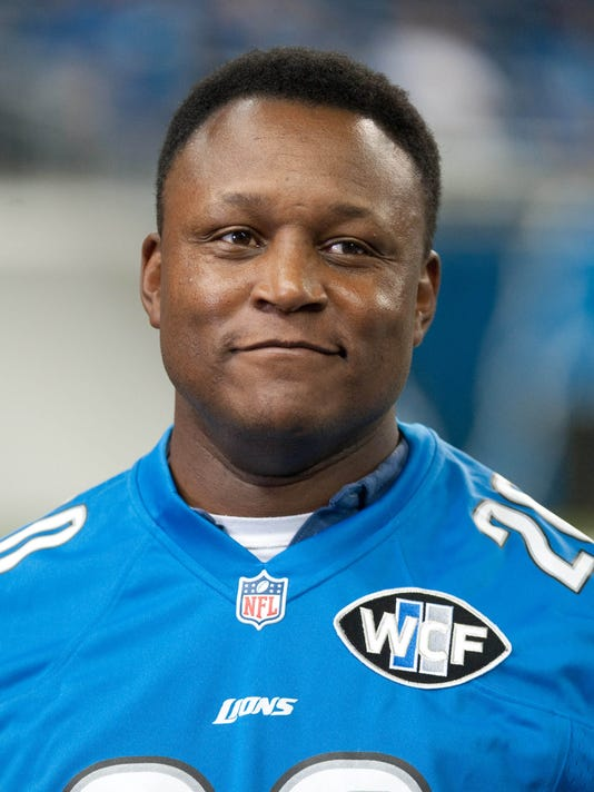 The 51-year old son of father (?) and mother(?) Barry Sanders in 2019 photo. Barry Sanders earned a  million dollar salary - leaving the net worth at  million in 2019
