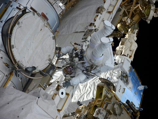 EPA IN SPACE ISS SPACEWALK SCI SPACE PROGRAMMES ---