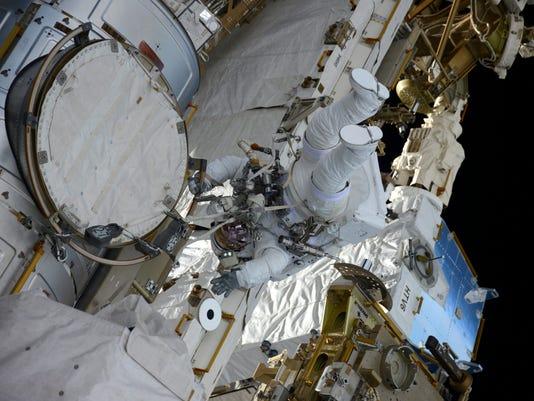 EPA IN SPACE ISS SPACEWALK SCI SPACE PROGRAMMES ---