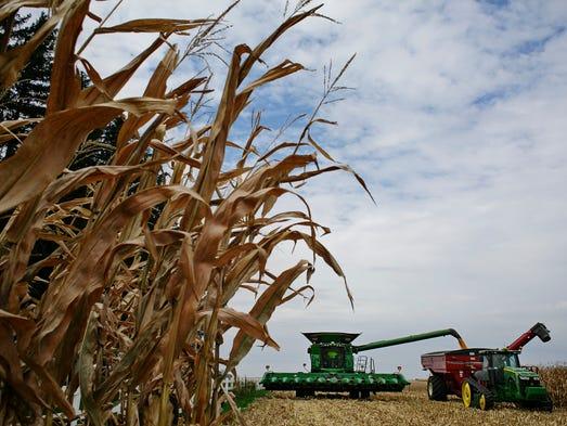 Iowa's economy is starting to show a few cracks that