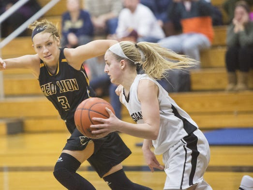 Red Lion's Hannah Wolf defends South Western's Laykin