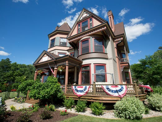 Le Chateau Bed And Breakfast Wisconsin Rapids