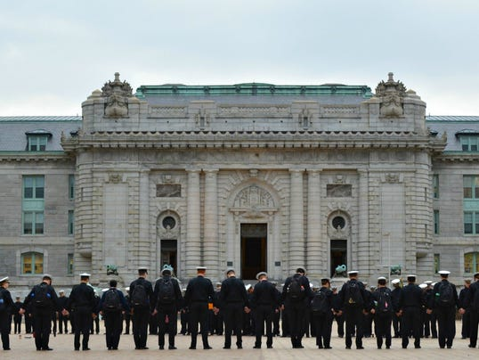 2014-3-28-midshipmen-navy-tribute