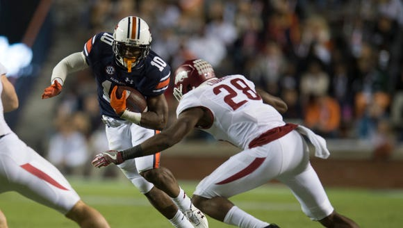 Auburn wide receiver Stanton Truitt (10) is tackled