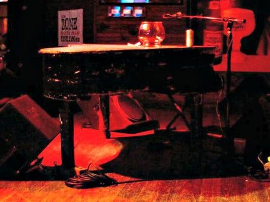 0807-ccfe-piano02.JPG