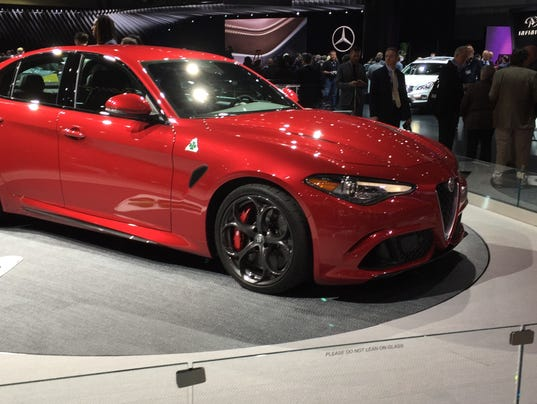 505 hp alfa romeo giulia sport sedan debuts. Black Bedroom Furniture Sets. Home Design Ideas