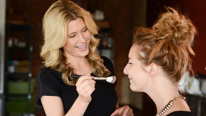 Ashley Prange created Au Naturale Cosmetics as an alternative to leading brands that use harsh chemicals.