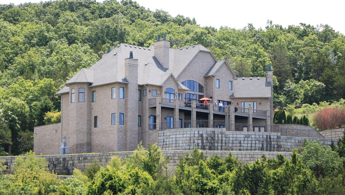 The mansion on table rock lake
