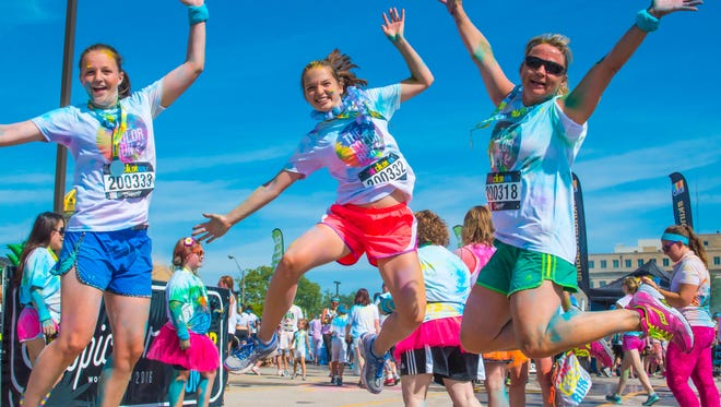 Participants at the Color Run in Des Moines on July 9, 2016