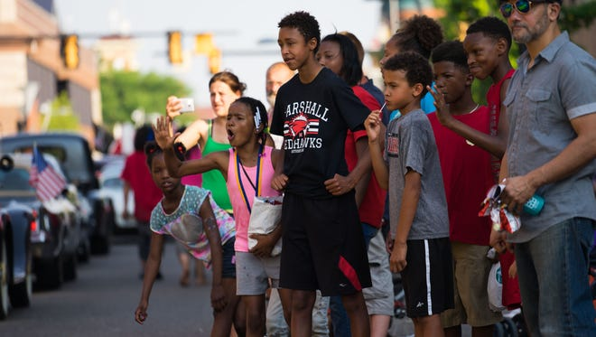 Children at the Grand Cereal Parade in 2016.