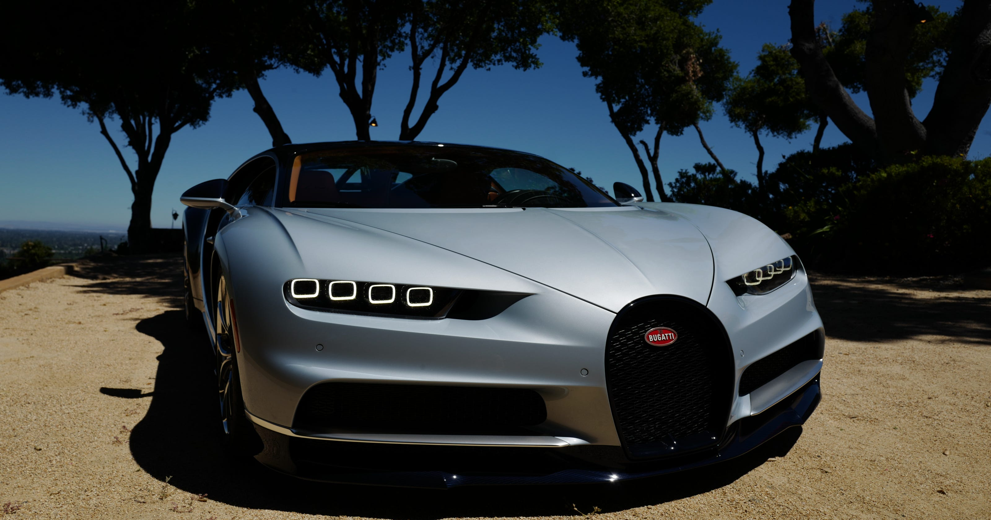 For An Elite Few Bugatti S 261 Mph Dream Car Beckons