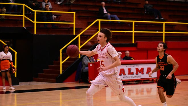 Palma senior Peyton Seelye (5) runs in transition after getting a steal in the second quarter of the Chieftains' win over Gonzales.