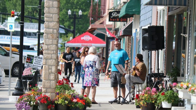 On the fourth Thursday of each month, May through October, the Greater Port Clinton Area Arts Council holds the Art Walk in Port Clinton's historic downtown, as local artists, authors, musicians, businesses.