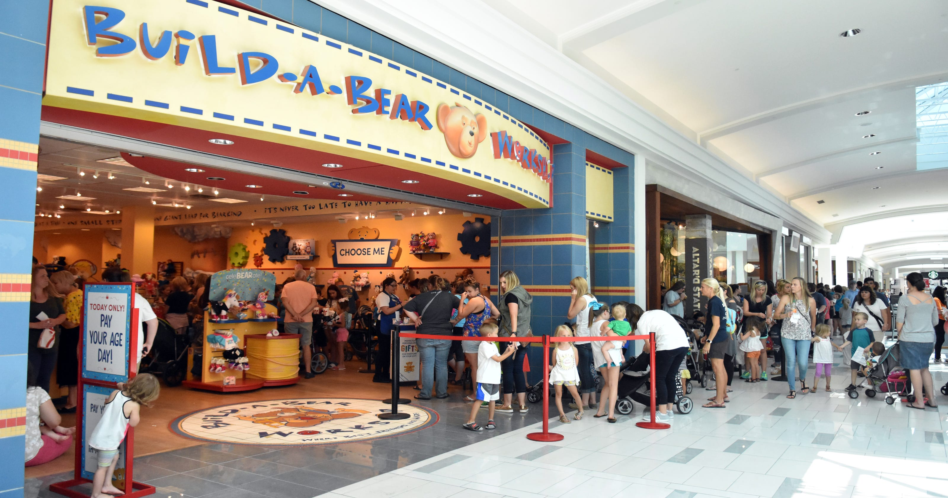 7efcefe0f17 Build-a-Bear sale  Knoxville mall sees big crowds