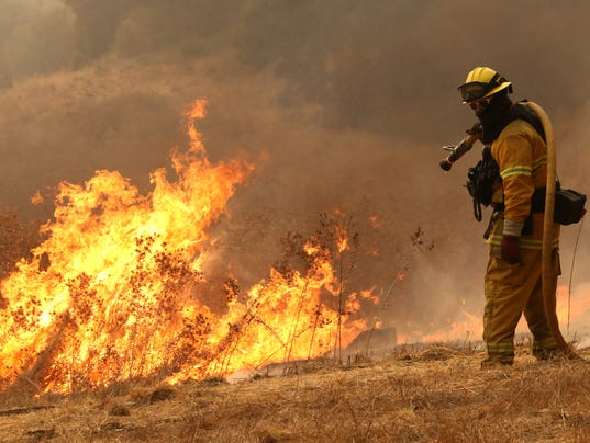 CALIFORNIA WILDFIRES A USA CA