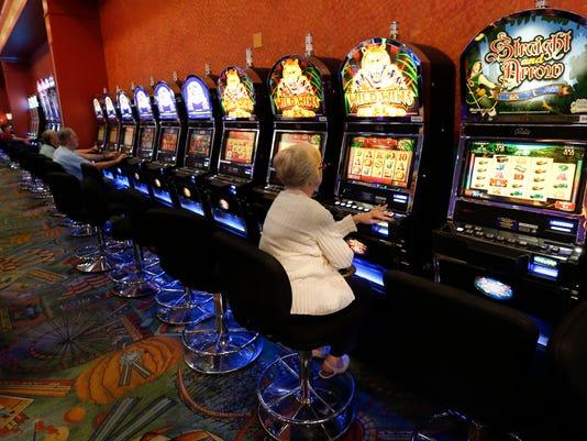-CHLBrd_11-27-2014_Daily_1_A027~~2014~11~26~IMG_New_York_Casinos_Few_2_1_8M9.jpg