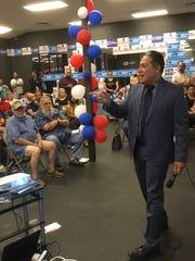 El candidato demócrata Diego Rodriguez está postulado para Procurador del Condado Maricopa.