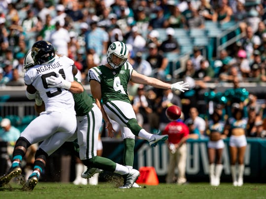 New York Jets punter Lachlan Edwards (4)