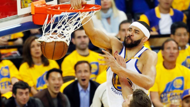 McGee dunks agains tthe Blazers in Game 2.