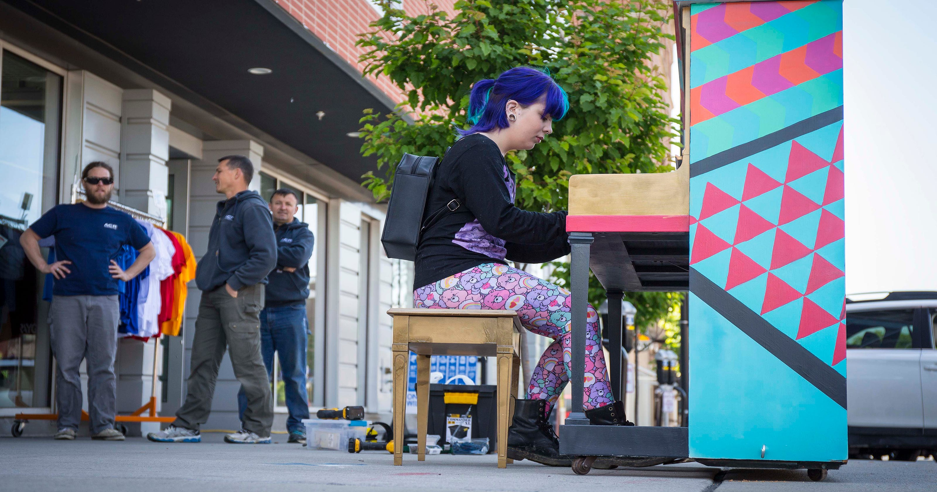 Play a tune on public pianos