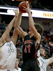 Waverly-Shell Rock's Austin Phyfe, left, is a Northern
