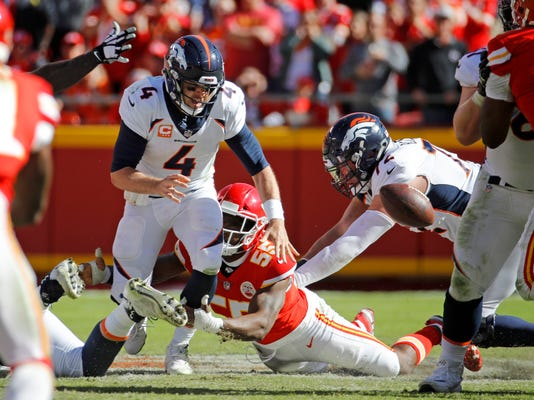 Broncos_Chiefs_Football_31402.jpg