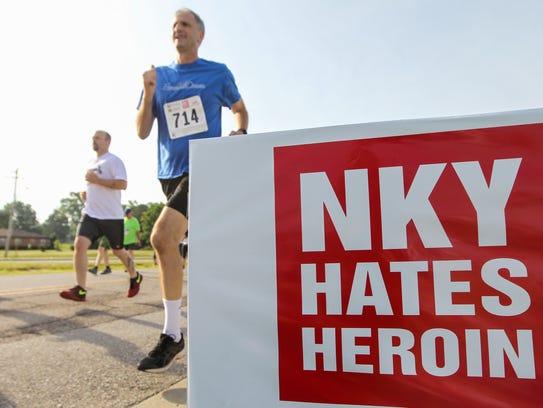 Hundreds attend the NKY Hates Heroin 5k at Simon Kenton