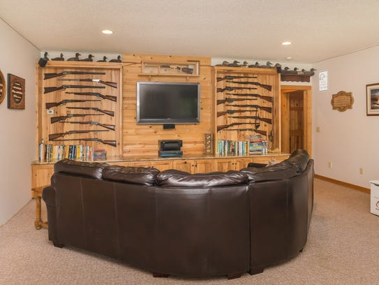 There's room for entertainment and collections at 1461